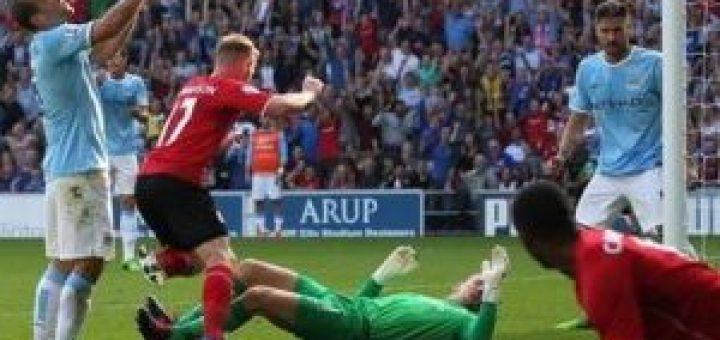 Gunnarsson Scores against Manchester