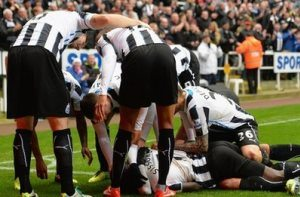 Newcastle Celebrate against Chelsea