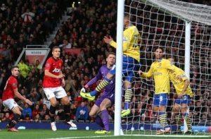 van Persie scores against Arsenal