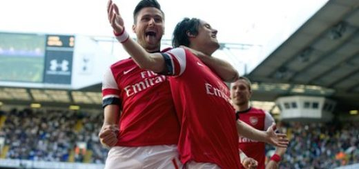 Olivier Giroud and Tomas Rosciky celebrate Arsenal's opening goal